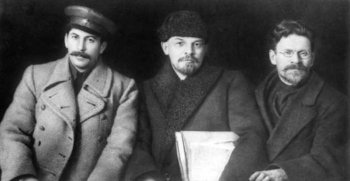 كالينين ولينين وستالين عام ١٩١٩